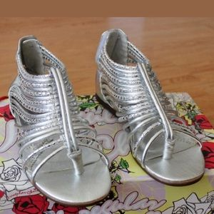CLEARANCE EUC 💝❤️ Irregular Choice Sandals